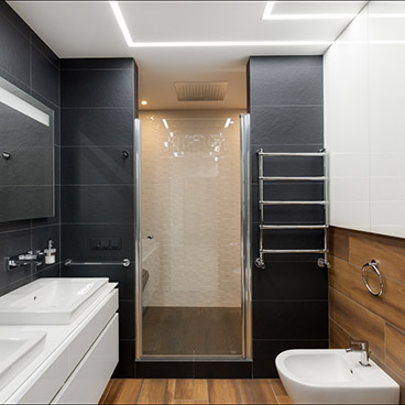 bathroom 1_small.jpg